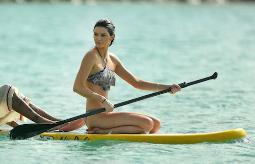 Photos : Kendall Jenner : la bombe monopolise l'attention à Saint-Barth' !