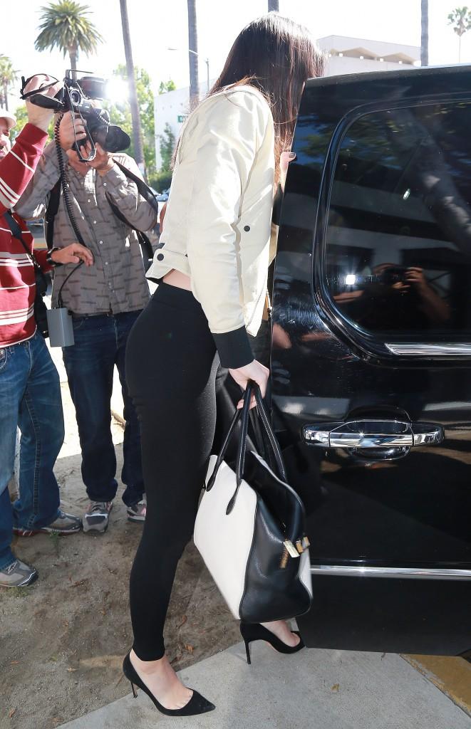 """Photos : Kendall Jenner : """"mignonne et futée"""", Lewis Hamilton ne tarit pas d'éloge à son sujet !"""