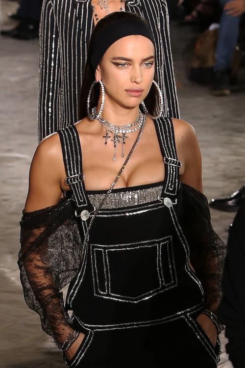 Irina Shayk au défilé Givenchy, le 26 juin 2015 à Paris