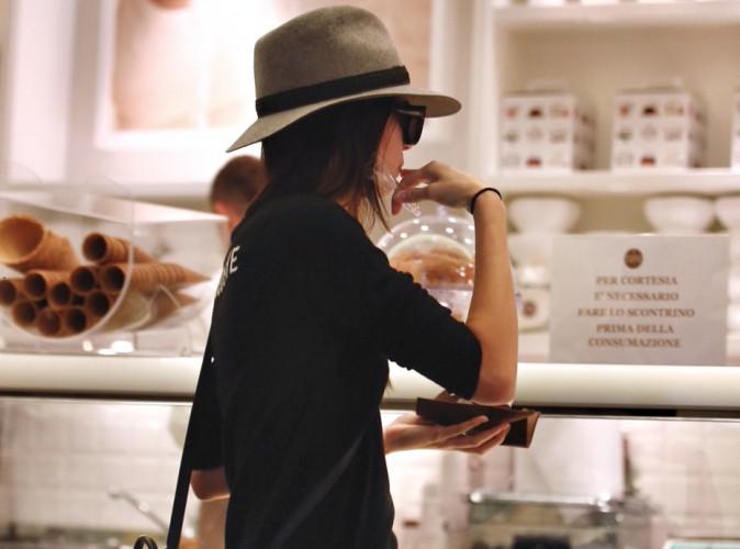Kendall Jenner : pause gourmande entre deux défilés à la Fashion Week de Milan !