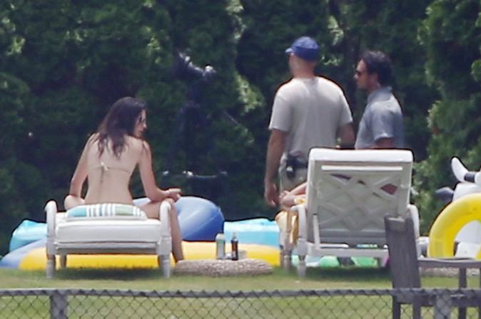 Photos : Kendall Jenner : sexy ce bikini body… pendant que ses soeurs transpirent, elle se la coule douce !