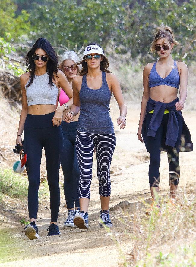 Kendall Jenner et Hailey Baldwin à Los Angeles le 3 novembre 2015