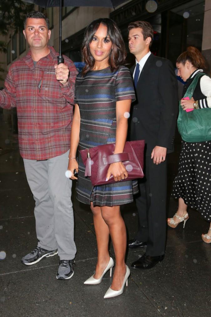 Photos : Kerry Washington : son sac à main violet ? Pour la bonne cause !