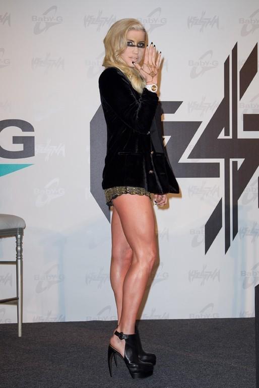 Kesha en conférence de presse à Los Angeles le 29 octobre 2012