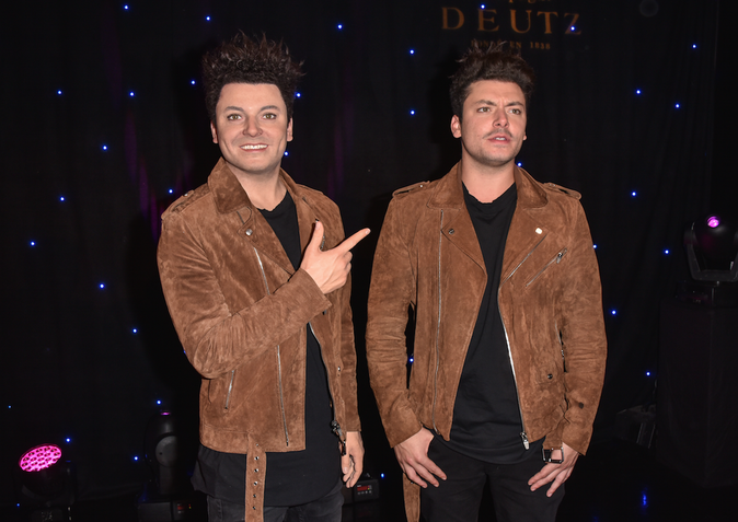 Photos : Kev Adams découvre son double !