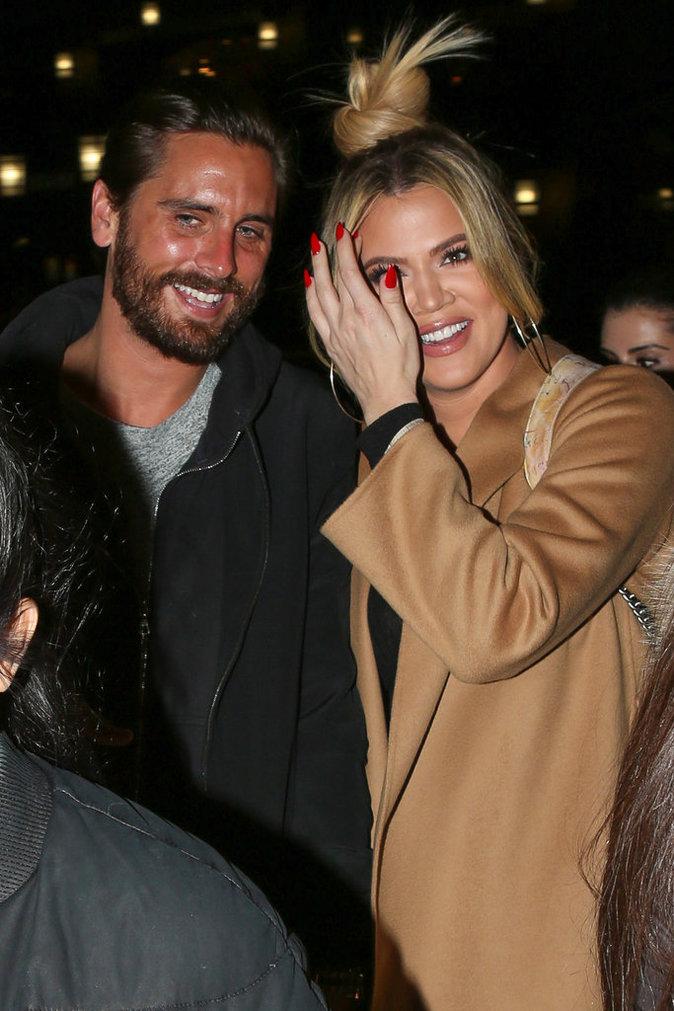 Photos : Khloé Kardashian : main dans la main avec Scott Disick, à la barbe de Kourtney !