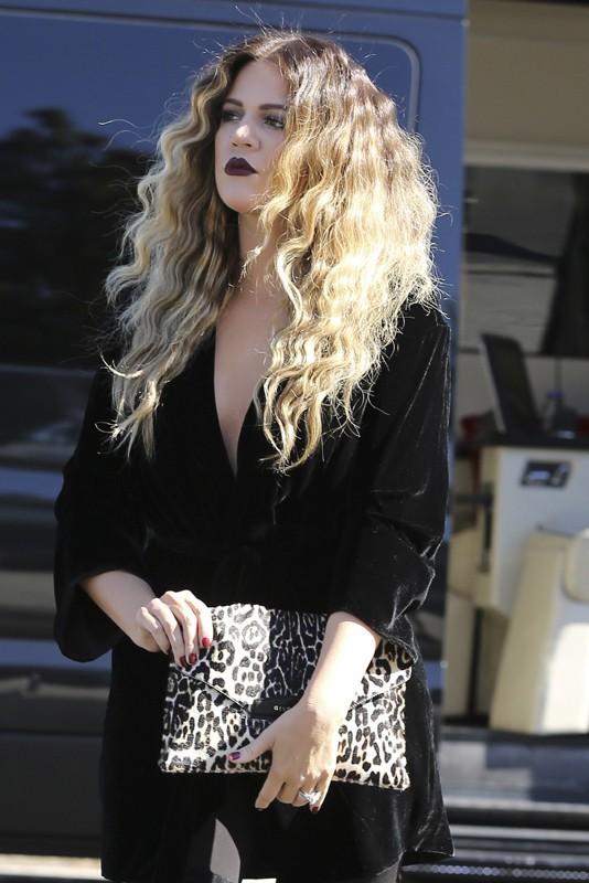 Khloe Kardashian sur le tournage de L'incroyable Famille Kardashian à Los Angeles le 8 novembre 2013