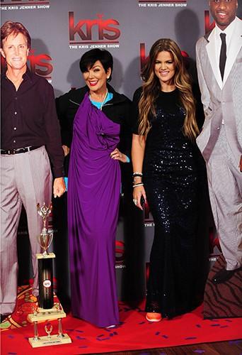 Khloe Kardashian et Kris Jenner sur le tournage de son talk-show à Los Angeles le 17 juillet 2013