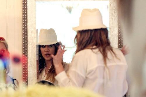 Photos : Khloé Kardashian : elle vole Scott Disick à sa sœur Kourtney, enceinte !