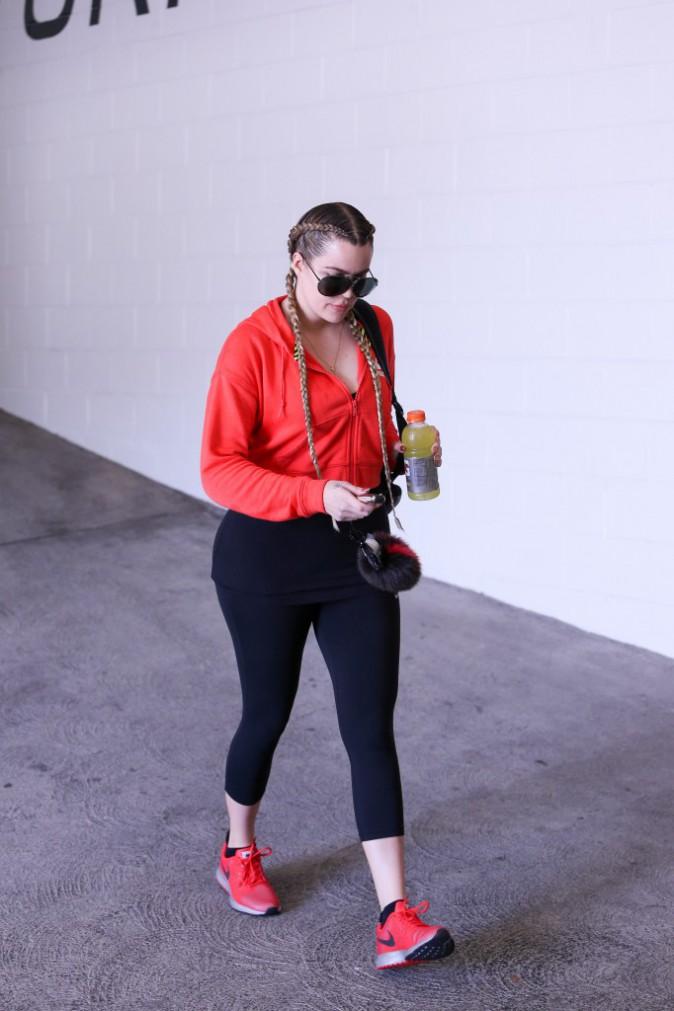 Photos : Khloe Kardashian règle ses comptes avec Scott Disick, complètement bourré !