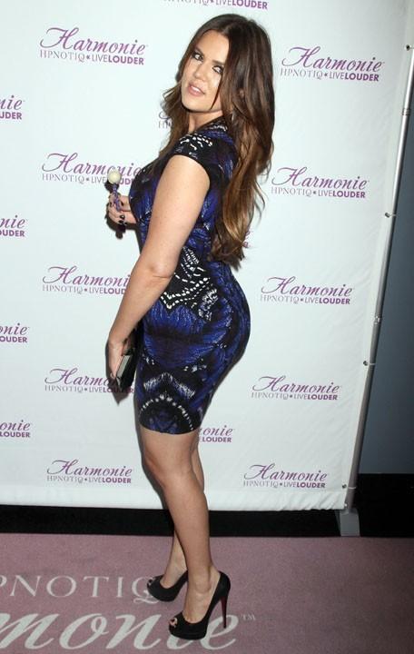 En tous cas, elle a les mêmes courbes que Kim !