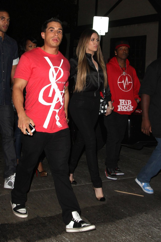 Khloe Kardashian répérée avec ses amis à Hollywood le 7 octobre 2013