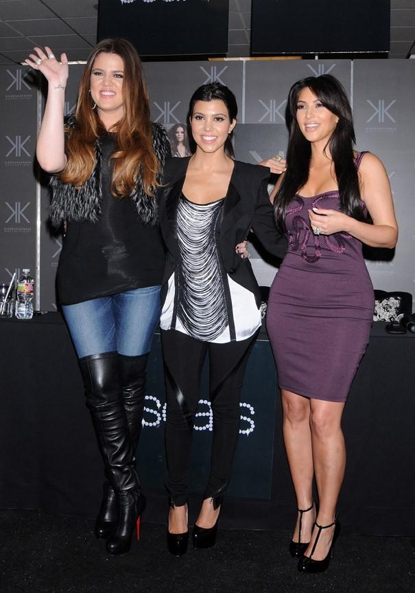 Trois beautés bien roulées !