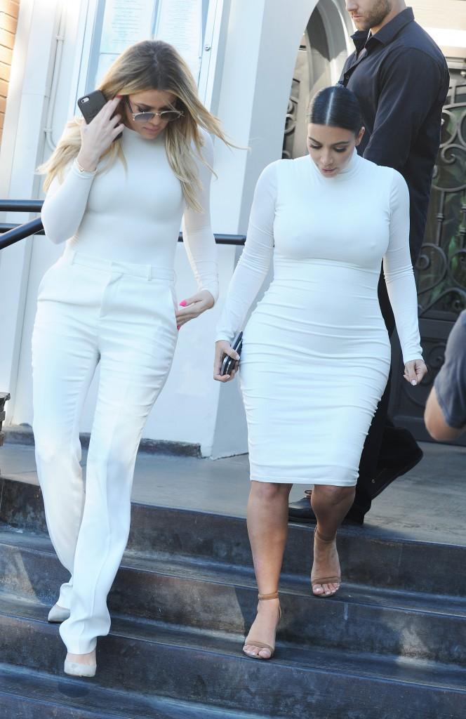 Kim et Khloe Kardashian le 7 juillet 2015