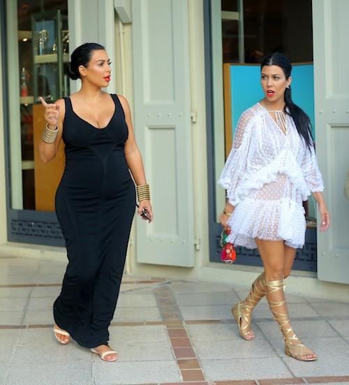 Photos : Kim et son baby bump, Kourtney, Khloe, Kendall et Kris : vive les vacances à Saint Barth' !