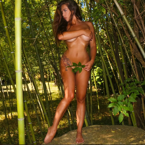 Photos : Kim Glow : (encore) nue pour un shooting photo torride !