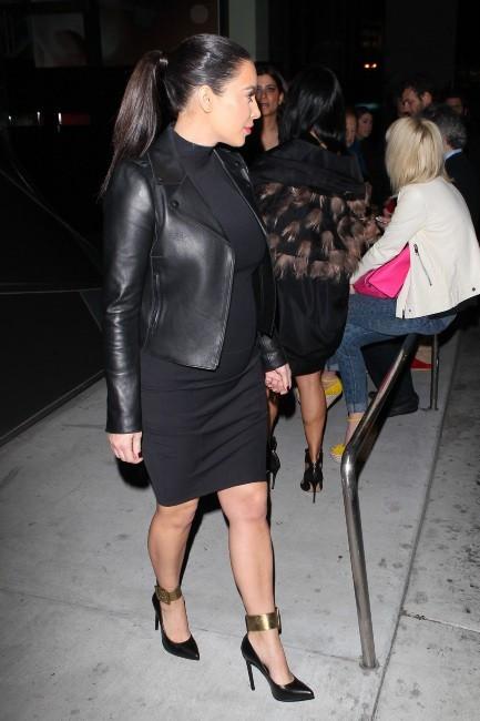 Kim Kardashian : enfin bien fringuée !