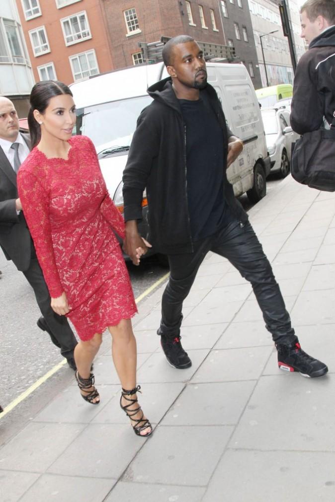 Main dans la main avec Kanye West ...