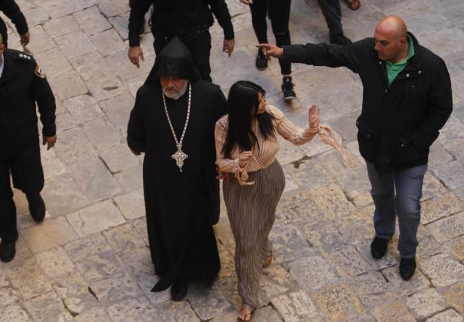 Photos : Kim Kardashian : apeurée, North se fait baptiser à Jérusalem !
