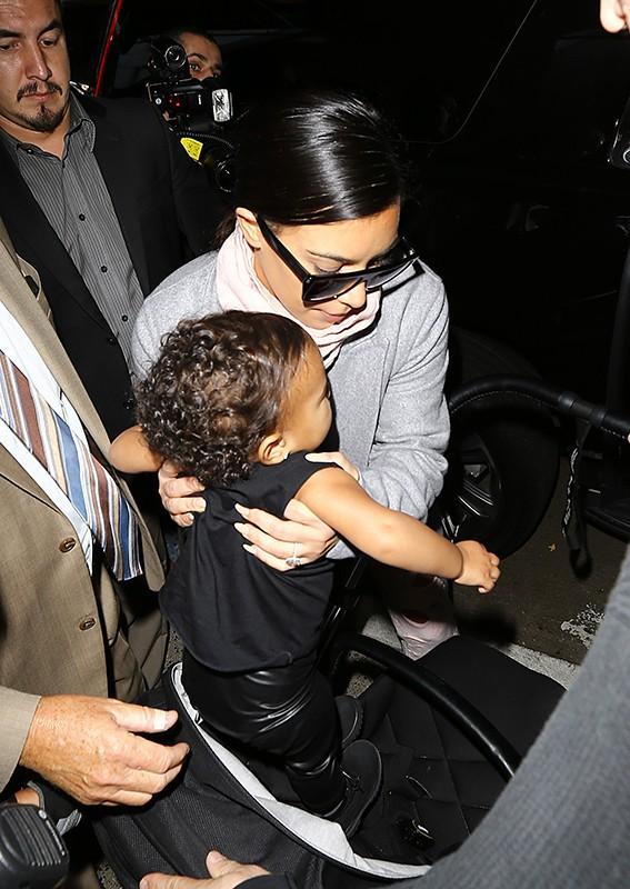 Kim Kardashian : après son escapade parisienne, elle est de retour à Los Angeles avec North !