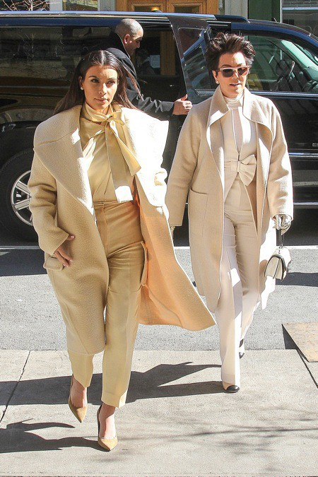Photos : Kim Kardashian : aux côtés de sa momager ou de son fiancé, la bimbo irradie d'élégance à New York !