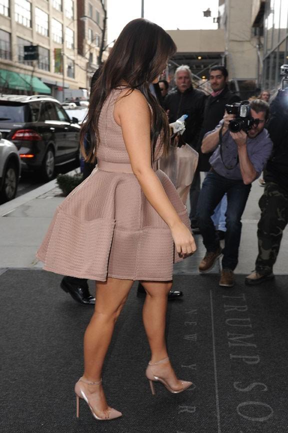 Kim Kardashian enchaîne les émissions télé à New-York le 26 mars 2013