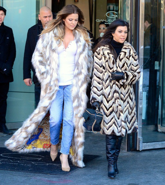 Khloe et Kourtney Kardashian à New York, le 17 février 2014.