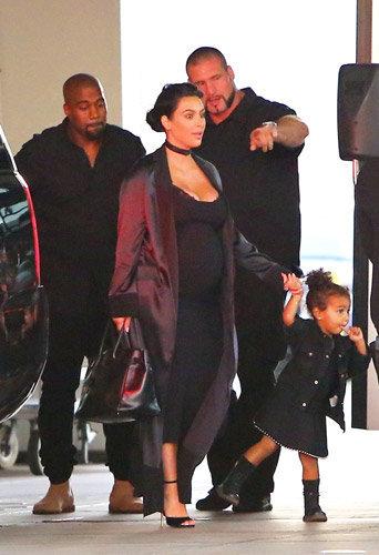 Photos : Kim Kardashian décolletée, Kanye West prêt pour 2020 et soutenus par Barack Obama !