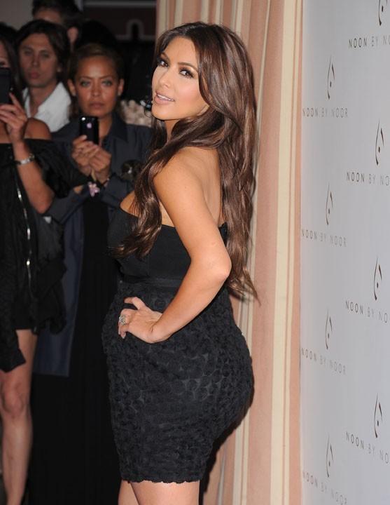 Kim Kardashian : son fessier, elle l'adore !