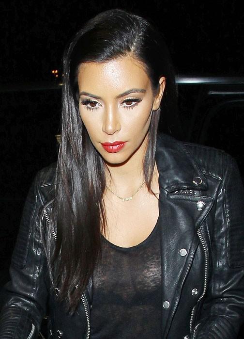 Kim Kardashian à l'aéroport de Los Angeles le 24 juin 2014