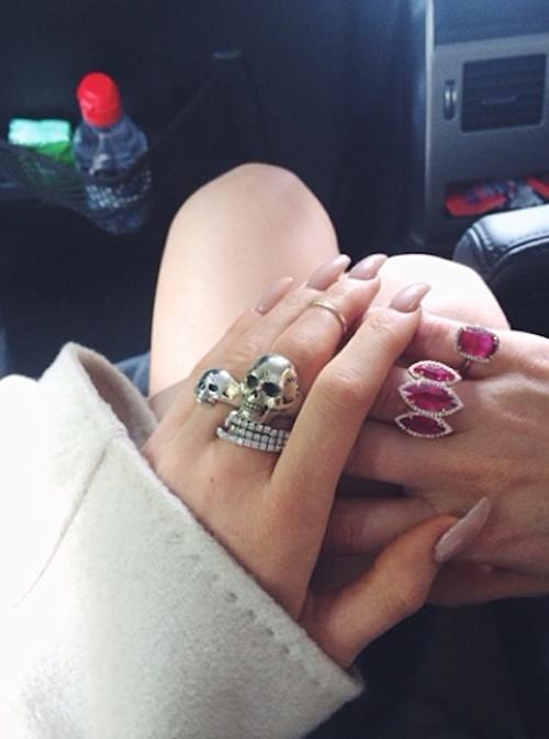 """Kylie Jenner et Khloé Kardashian parées pour un mariage """"princier"""""""