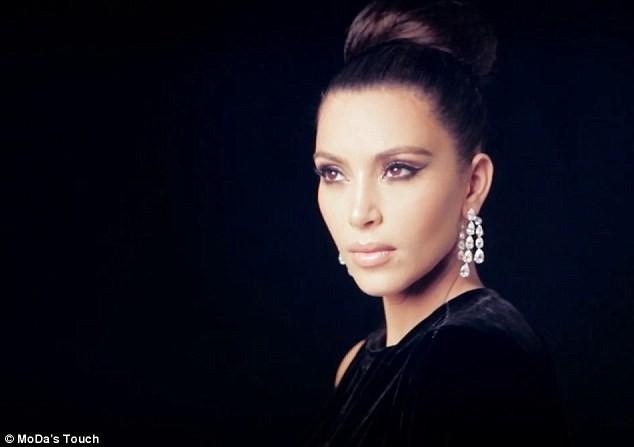 Kim Kardashian pour Hia Magazine.