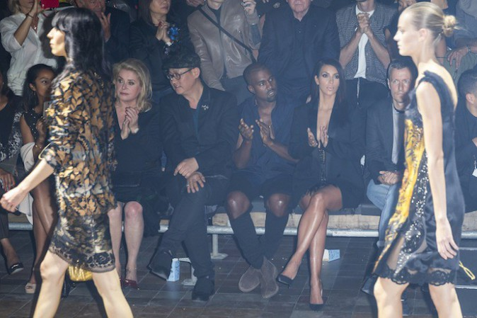 Photos : Kim Kardashian et Kanye West : après Balmain, direction le front row du défilé Lanvin !