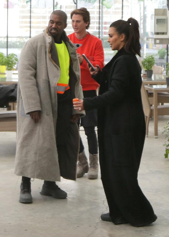 kim et Kanye visitent une ferme d'apiculteurs