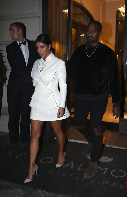 Kim Kardashian et Kanye West de sortie pour un dîner en amoureux à Paris, le 24 septembre 2014