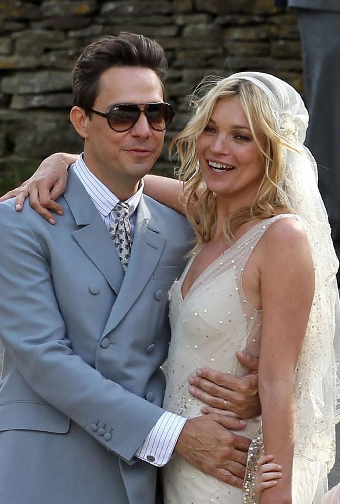 Photos : qu'ont commandé Kate Moss et Jamie Hince comme cadeaux de mariage ?