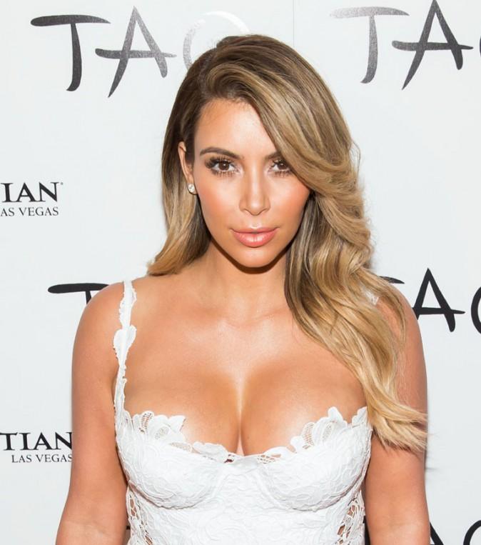 Kim Kardashian super hot !