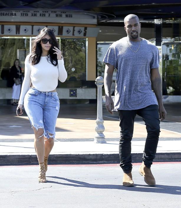Kim Kardashian et Kanye West à Calabasas le 19 octobre 2014