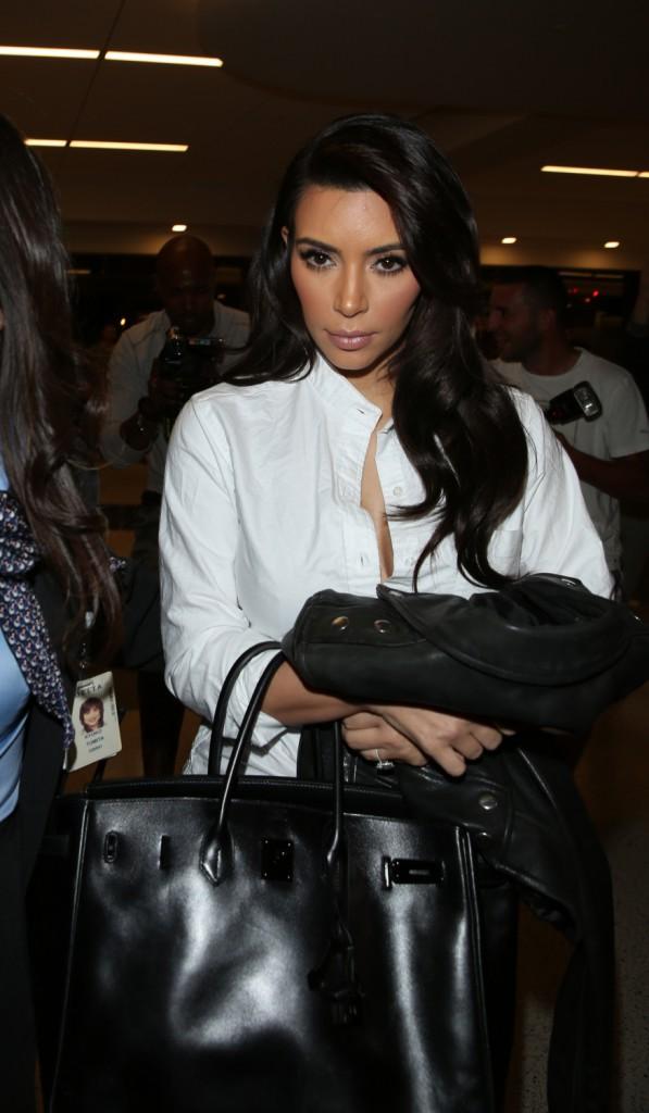 Photos : Kim Kardashian : fortement amincie, elle prouve aux côtés de Khloé que ses efforts ne sont pas vains !