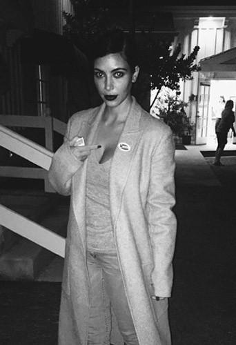 Kim Kardashian vote pour les élections de mi-mandat de novembre 2014 aux Etats-Unis