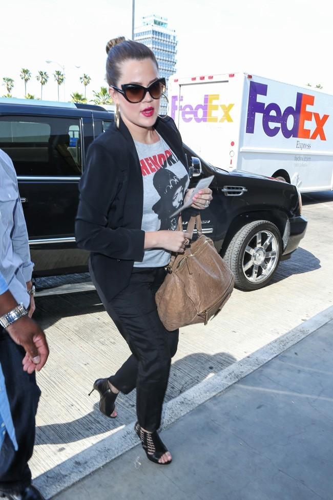 Khloé Kardashian à l'aéroport de Los Angeles le 3 mai 2013