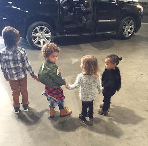 Photos : Kim Kardashian : Kourtney accouche, elle se charge des 5 ans de Mason avec North et Penelope !