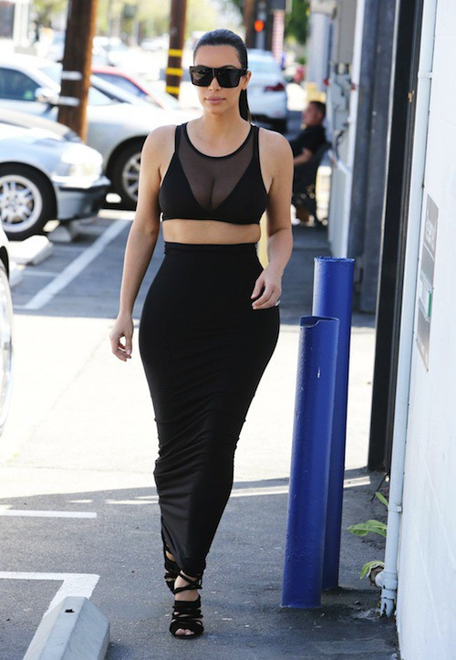 Photos : Kim Kardashian : la reine des décolletés a encore frappé !