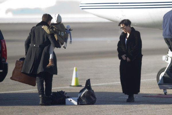 Scott Disick et Kris Jenner prêts à faire leur retour à L.A., le 2 janvier 2013 dans l'Utah.