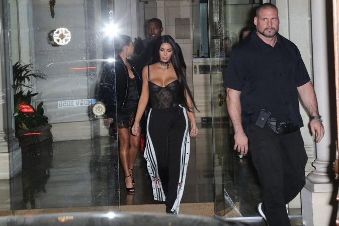 Le bodyguard Pascal Duvier, suit sa protégée, Kim Kardashian comme son ombre