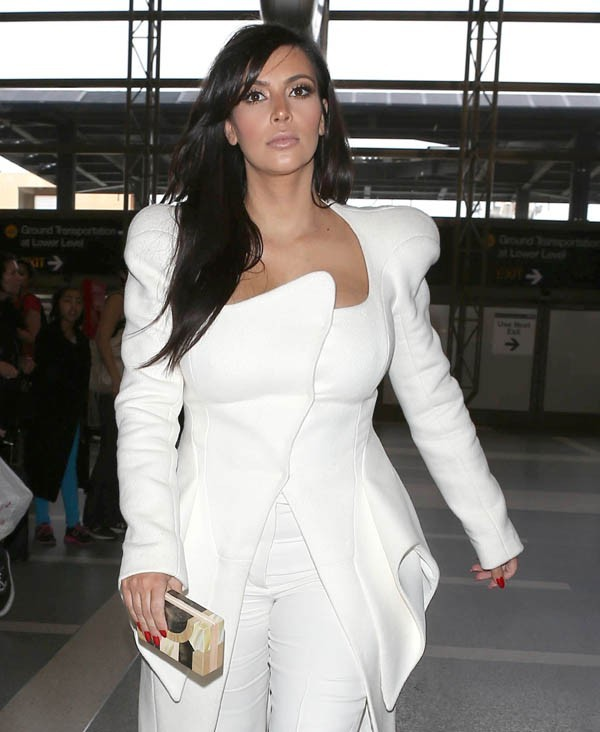Kim Kardashian à l'aéroport de Los Angeles le 2 mars 2013