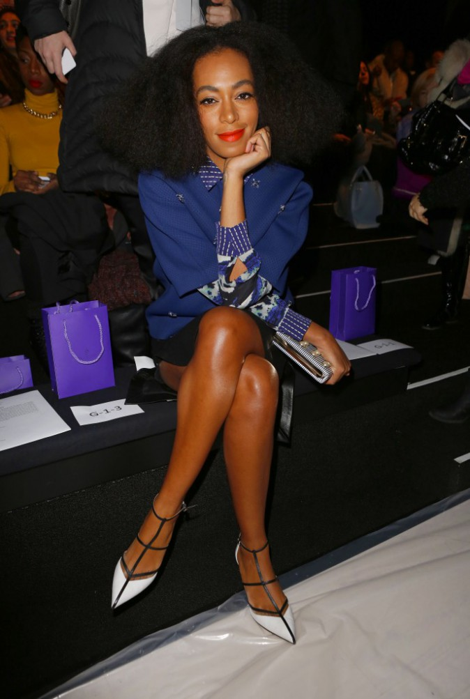 Solange Knowles en rouge