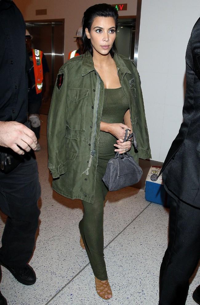 Kim Kardashian à l'aéroport de Los Angeles le 3 juin 2015