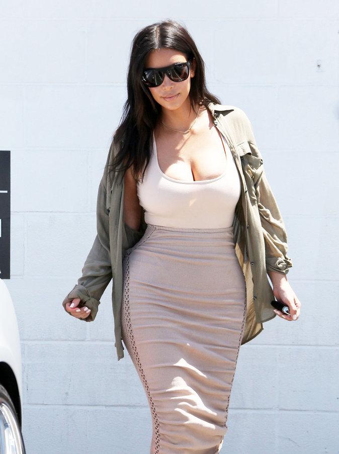 Kim Kardashian dans les rues de Los Angeles ce mardi 11 juillet 2016