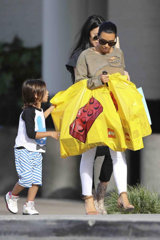 Kim Kardashian : quand elle d�cide de g�ter son neveu, elle ne fait pas semblant !